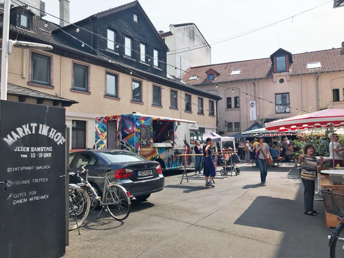 Frankfurt Markt Im Hof - Frankfurt Germany - Her Heartland Soul