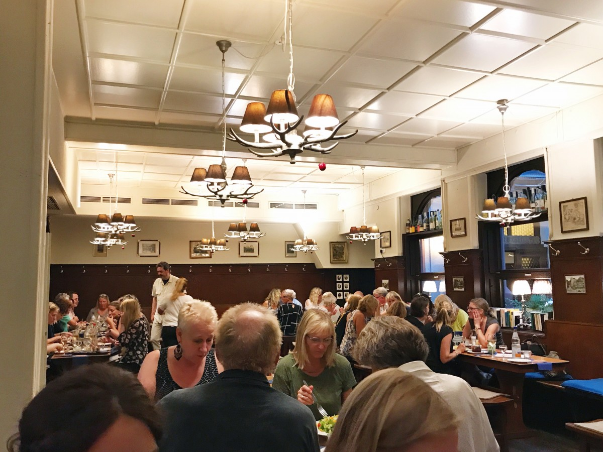 Daheim im Lorsbacher Thal Restaurant Beer Hall Frankfurt Germany - Her Heartland Soul