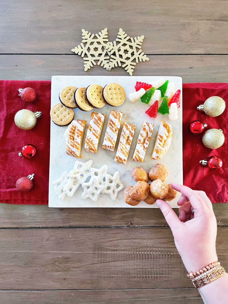 Christmas DIY dessert board