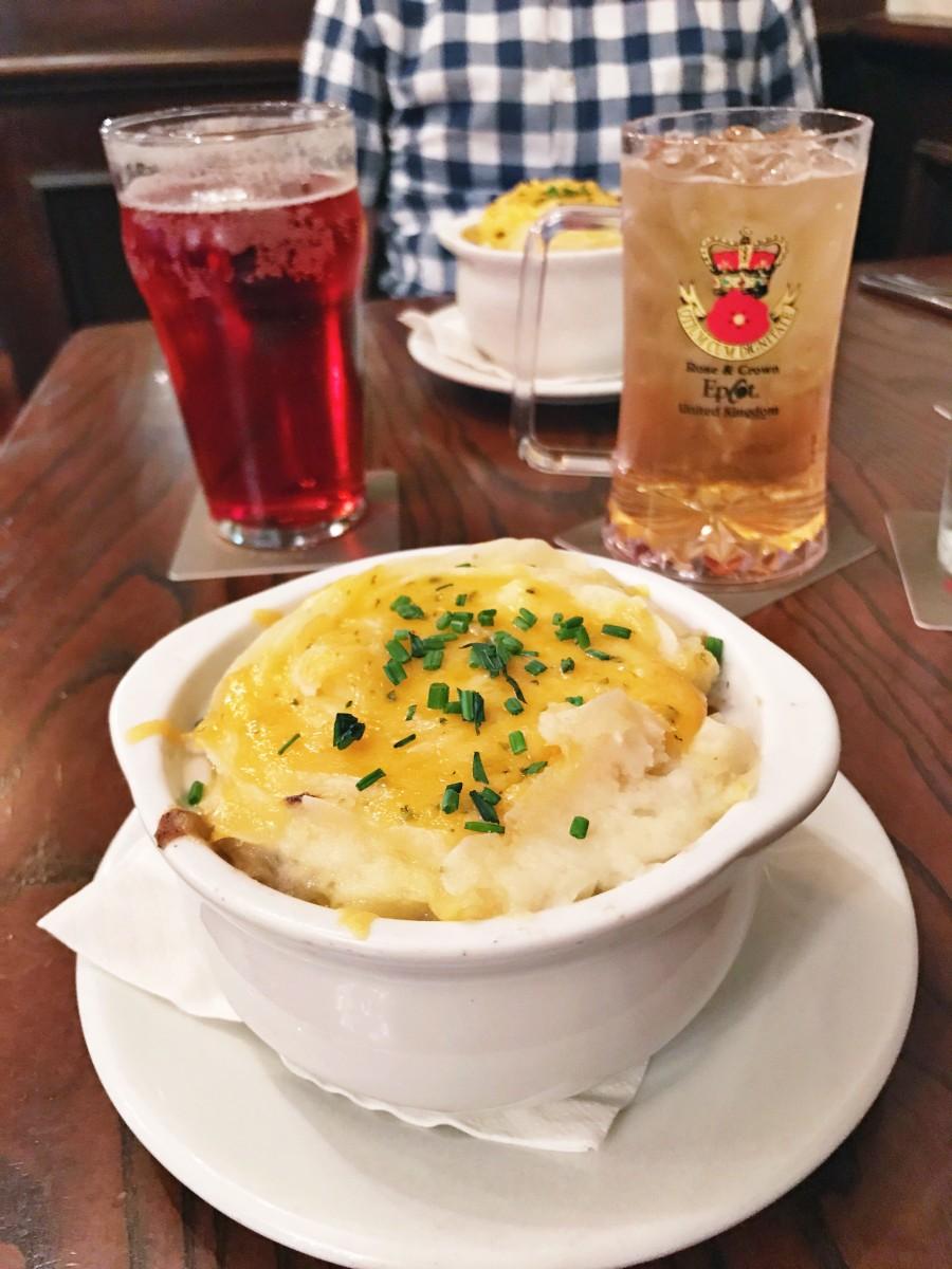Rose & Crown Pub Epcot Her Heartland Soul